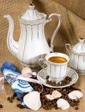 Кофейная чашка и кофейные зерна Стоковая Фотография RF