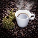 Кофейная чашка конопли Стоковые Фотографии RF