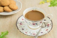 Кофейная чашка с печеньями стоковое фото rf