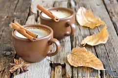 Кофейная чашка утра осени стоковое фото