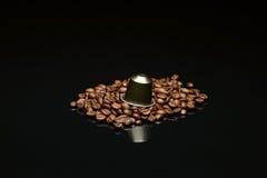 Кофейная чашка фасоли с капсулой Стоковое Изображение RF