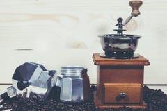 Кофейные зерна бака кофе Стоковое Изображение