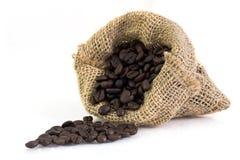 Кофейные зерна в мешке Стоковая Фотография