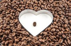 Кофейные зерна влюбленности Стоковые Изображения
