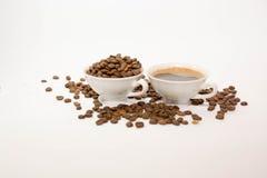 Кофейные зерна и кофе Стоковое Изображение