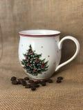 Кофейные зерна и чашка кофе Стоковое Изображение RF