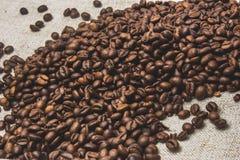 Кофейные зерна, мешковина Стоковое Изображение