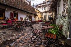 Кофейня в старом городке Таллине, Эстонии стоковое фото