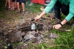 Кофе лагерного костера Стоковое фото RF