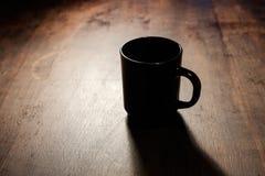 Кофе в темноте стоковые изображения rf