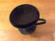 Кофе в традиционной бумаге и пластмасса фильтруют Стоковые Фотографии RF