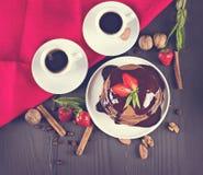 кофе и блинчик с клубниками Стоковое Изображение RF