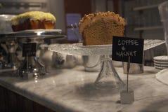Кофе и грецкий орех стоковые изображения rf
