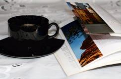 Кофе и книга Стоковые Фото