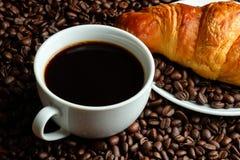 Кофе и круасант стоковая фотография rf