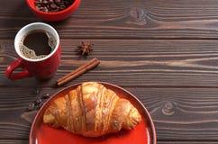 Кофе и круасант Стоковая Фотография