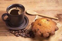 Кофе и пирожное стоковое фото
