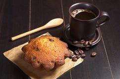 Кофе и пирожное стоковая фотография