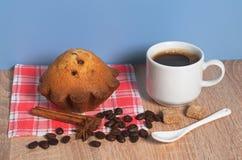 Кофе и пирожное стоковые фото
