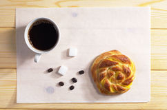 Кофе и плюшка Стоковая Фотография RF