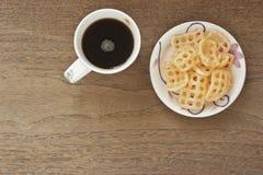 Кофе и сладостное кудрявое Стоковое Изображение