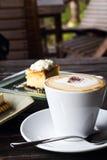 Кофе и чизкейк Стоковые Фотографии RF
