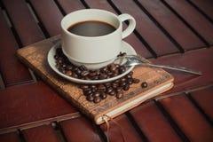 Кофе книги Стоковое фото RF