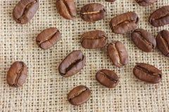 кофе мешковины фасолей предпосылки Стоковое Изображение