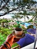 кофе напитка с прекрасным видом стоковое фото rf