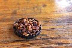 Кофе на предпосылке grunge деревянной Стоковые Фотографии RF