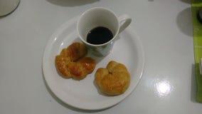 Кофе с бриошью стоковая фотография rf