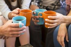 Кофе с друзьями стоковое изображение rf