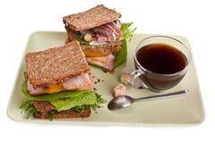 Кофе с 2 здоровыми сандвичами Стоковая Фотография RF