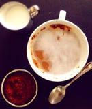Кофе с сливк и шоколадом Стоковые Изображения