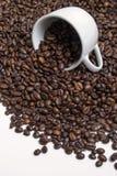 кофе фасолей разлил стоковое фото