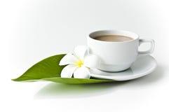 Кофе чашки с молоком Стоковая Фотография