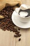 Кофе чашки с молоком Стоковые Фото