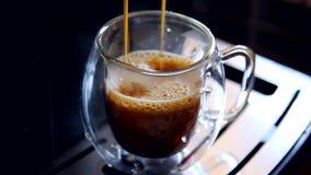 Кофе эспрессо в чашке видеоматериал
