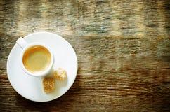 Кофе эспрессо чашки с тростниковым сахаром Стоковые Фото
