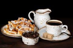 Кофе, waffles и мороженое Стоковые Изображения RF
