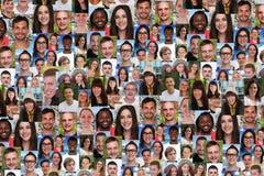Коллаж предпосылки большая группа в составе multiracial молодое усмехаясь peop стоковые изображения