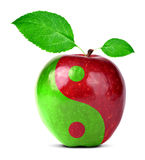 Коллаж Yin Yang от яблока стоковые изображения