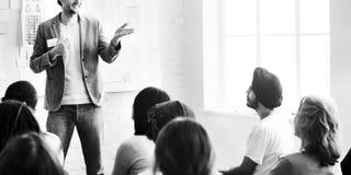 Коллеги работника офиса конференции встречая концепцию команды Стоковая Фотография RF