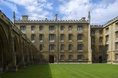 Коллеж St Johns в Кембридже стоковые фотографии rf