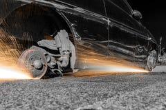 Колеса автомобиля с искрами Стоковые Фото