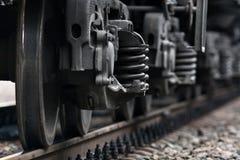Колеса поезда на рельсах Стоковое Фото
