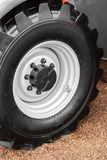 Колеса тележки и подвес трактора Стоковое Фото