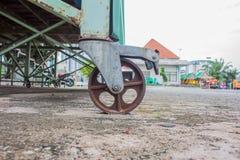 Колеса тележки, ржавые колеса Стоковые Изображения