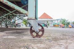 Колеса тележки, ржавые колеса Стоковая Фотография