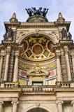 Колесница на здании оперы - Дрездене, Германии Стоковая Фотография RF
